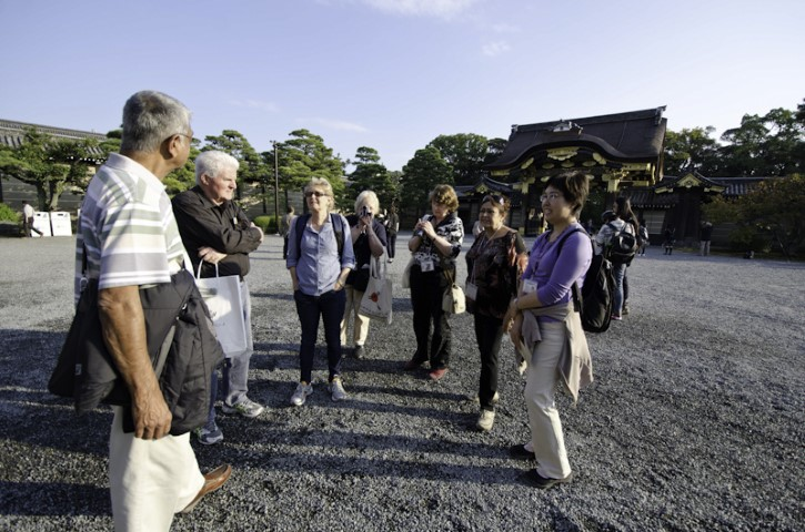 Learning the history of Nijo Castle